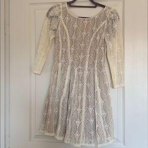 Mini dress white lace